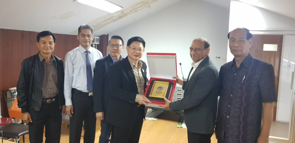 From left: Maj. Gen. Chartchai Praditpong, Khon Kaen Transit System Co.Ltd.; Mr. Ichavuth Rittaphai, Khon Kaen Treasury; Mr. Suradech Taweesaengsakulthai, Associate Dean, Khon Kaen University; Mr. Teerasak Teecayuphan, Mayor of Khon Kaen Municipality; Dr. Naveed Anwar, Executive Director, AIT Solutions; and Dr. Peerasit Kamnuansilpa, Advisor for Research and Global Corporate Affairs, Khon Kaen University